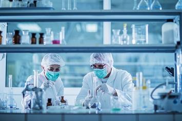 استانداردهای آزمایشگاهی OSHA شامل چه افرادی می شود؟
