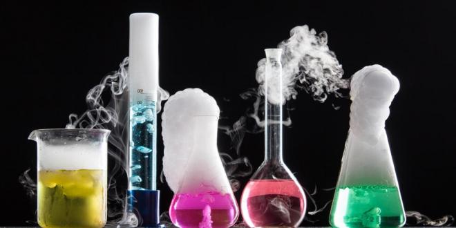 تاثیر مواد شیمیایی مختلف در صنعت و زندگی