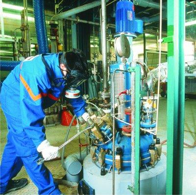 تاثیر مواد شیمیایی مختلف در صنعت