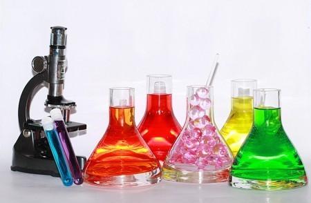 دستورالعمل های نگهداری از مواد شیمیایی آزمایشگاهی